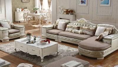 此处高能预警:客厅沙发的颜色请谨慎选择!