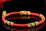带红绳的意义
