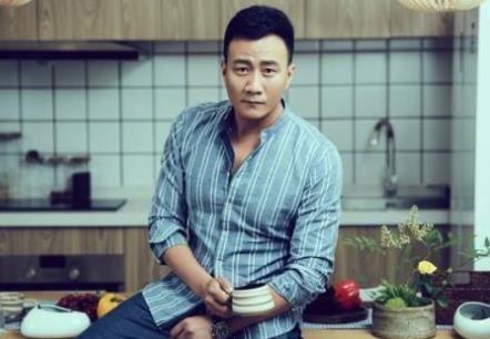 胡军是什么星座?双鱼座名人胡军饰演吴邪二叔!