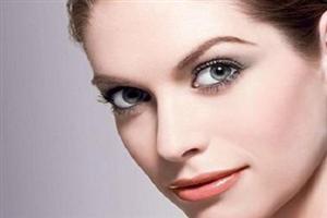 鼻梁高,立场坚定性格果敢的女人面相分析